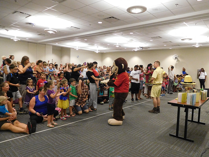 Photo of everyone who came to see Curious George!